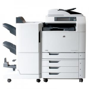 HP Color LaserJet CM6040f cu finisher